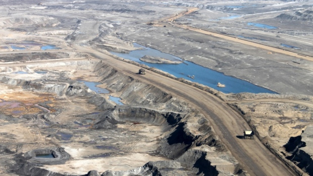 alberta-oilsands-aerial-view